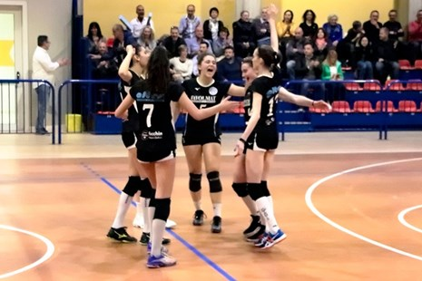 Le ragazze dell'APV Team Volley 2007.
